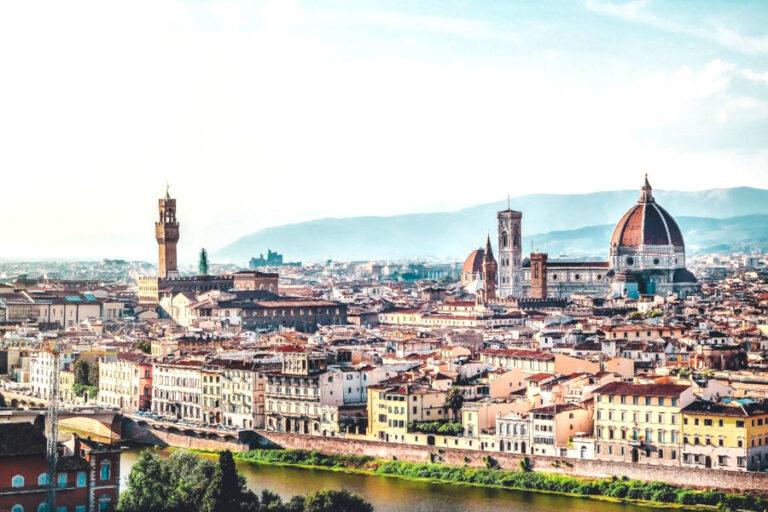 Grazie al Credito Vacanze e all'attrazione dei tanti italiani esterofili le strutture ricettive guardano con fiducia all'imminente stagione turistica.