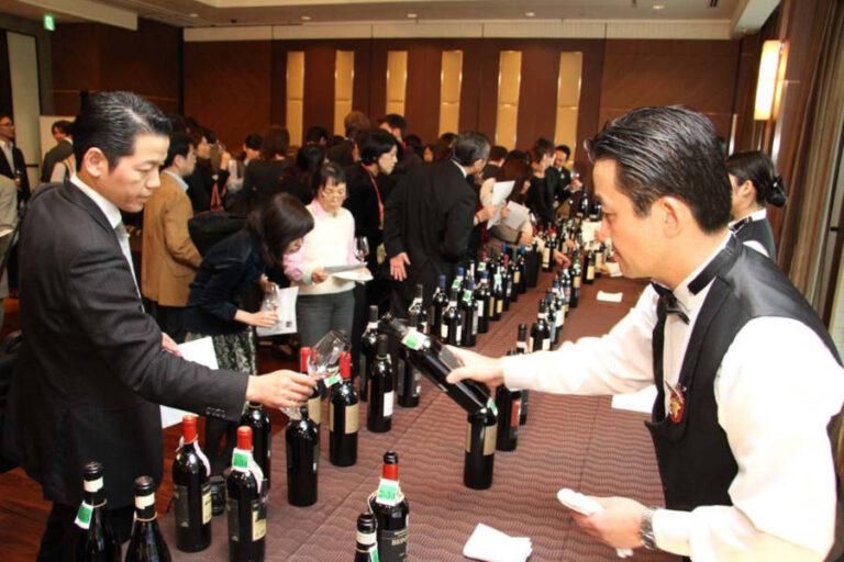 Il Prosecco traina la rincorsa del vino italiano in un mercato capace di raddoppiare il valore delle esportazioni nell'ultimo quinquennio.