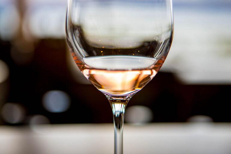 Vinitaly presenta 5StarWines, consueta classifica del vino italiano che quest'anno incorona la produzione enologica ligure.
