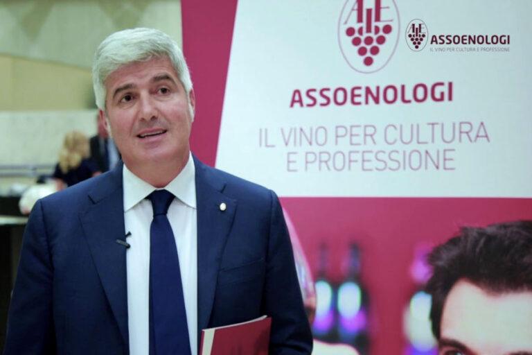 Il presidente di Assoenologi Sardegna premiato per l'impegno dimostrato nella valorizzazione del vigneto sardo.
