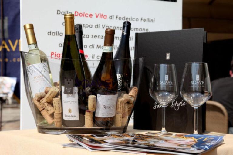 L'Italia conferma il suo appeal sul mercato americano piazzando ben nove etichette nella classifica sui migliori vini economici stilata dalla prestigiosa rivista americana.