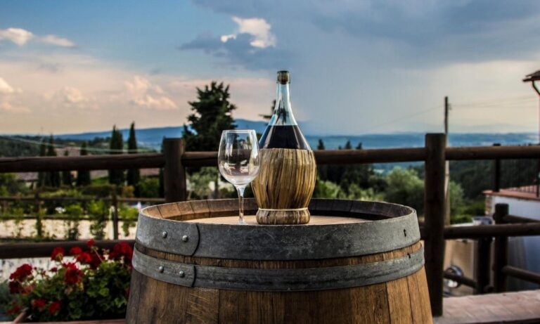 L'emergenza sanitaria fa slittare di tre mesi l'atteso appuntamento con i vini a Dop e Igp toscani.